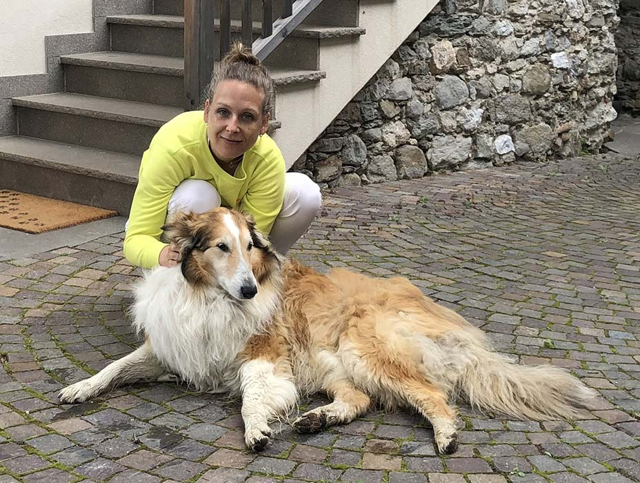 Caroline-Sperling-mit-Hund-Tommy